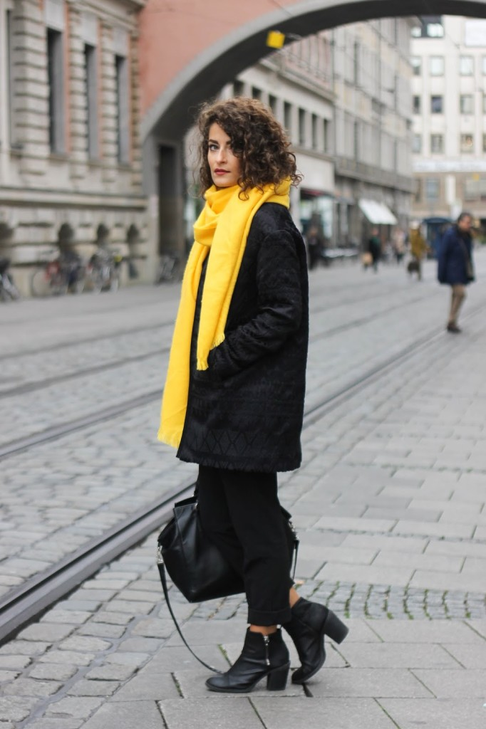 brave yellow scarf outfit size